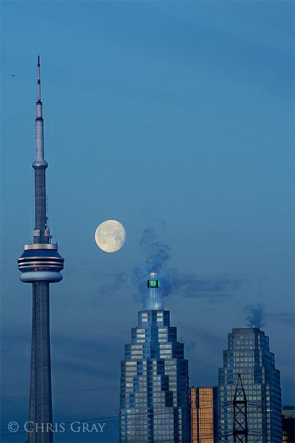 Moon over Toronto.jpg